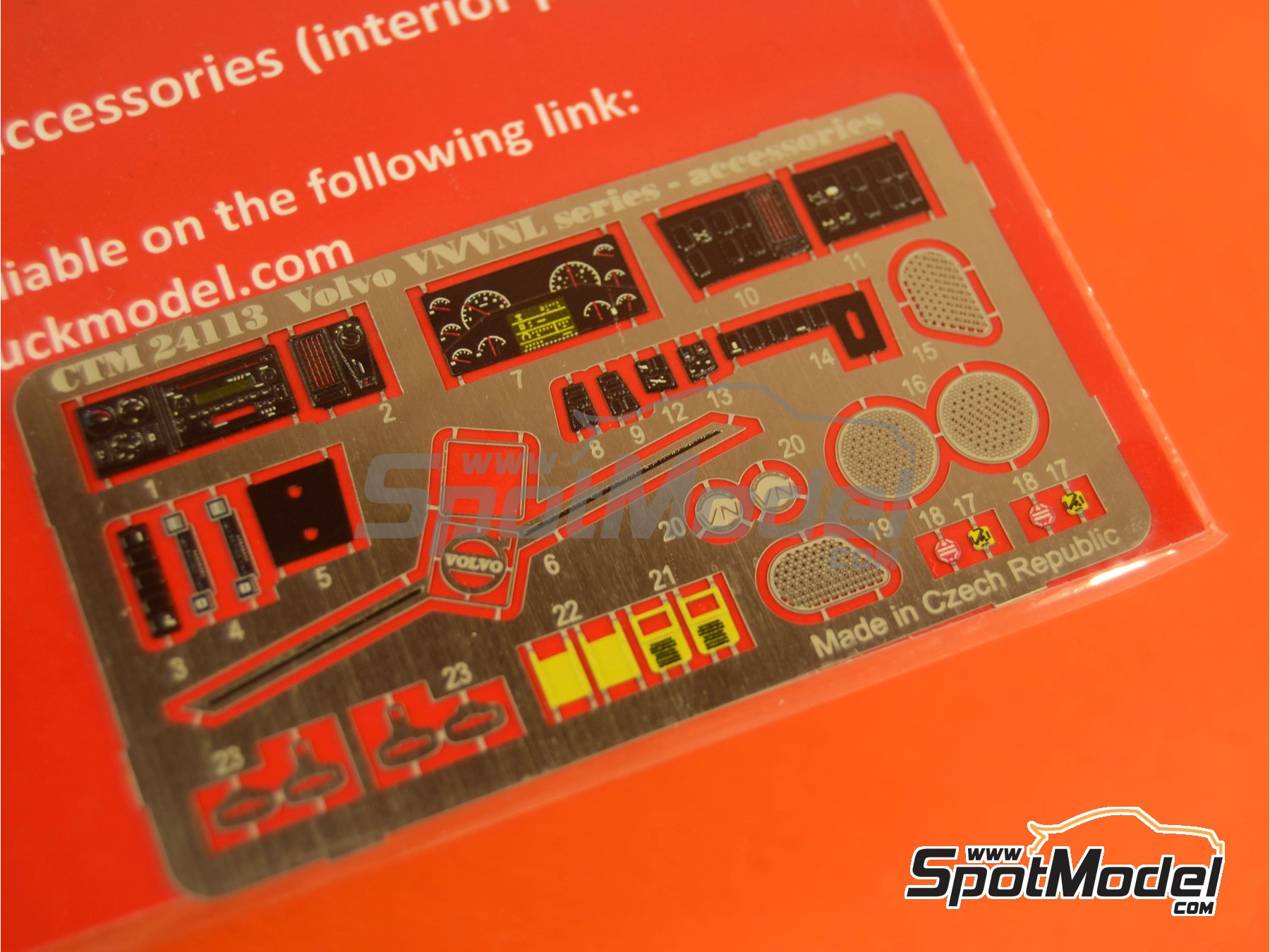 Image 2: Volvo VN and VNL interior parts | Detail up set in 1/24 scale manufactured by Czech Truck Model (ref.CTM24113)