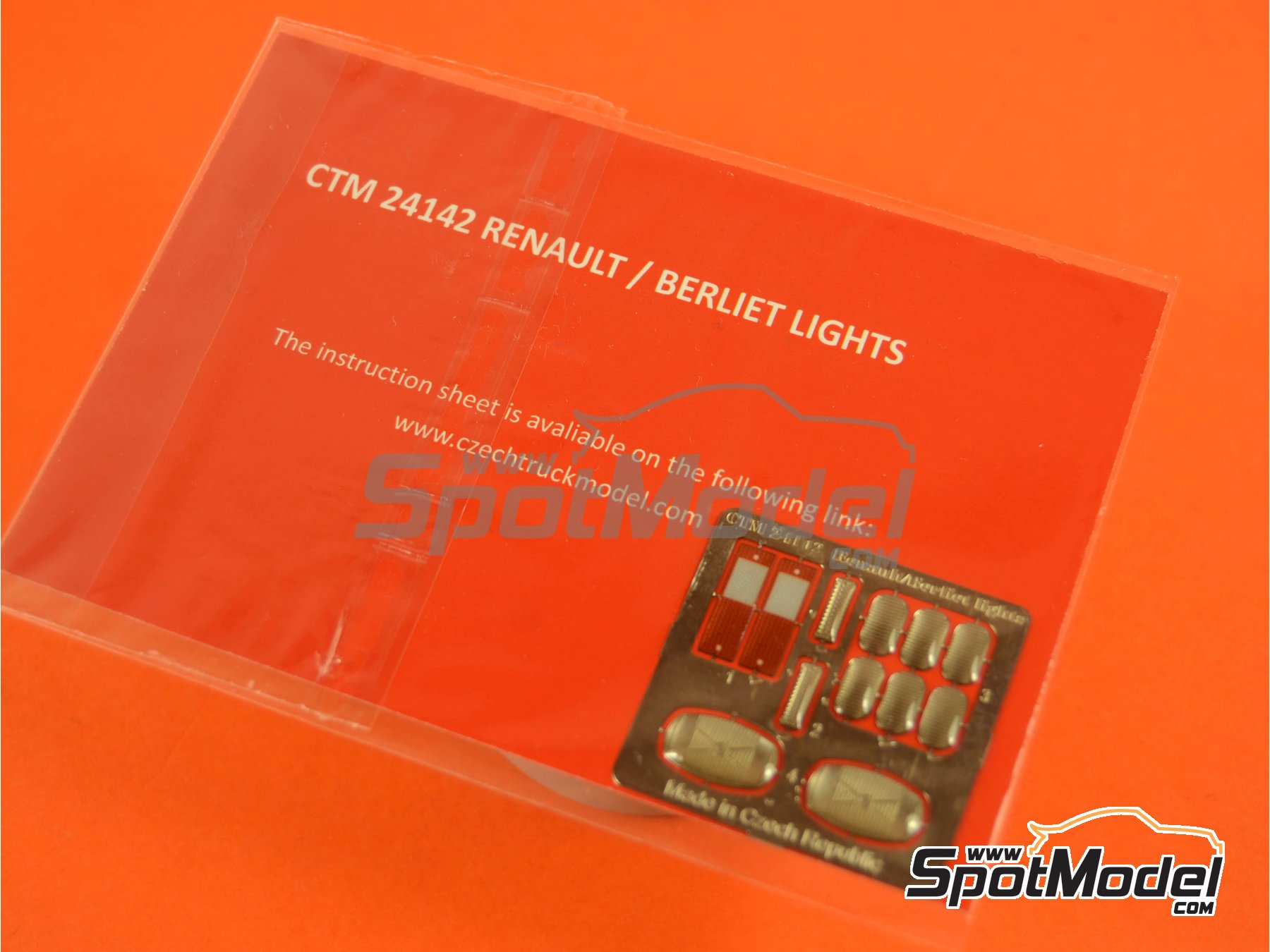 Image 4: Renault / Berliet | Lights in 1/24 scale manufactured by Czech Truck Model (ref. CTM24142)