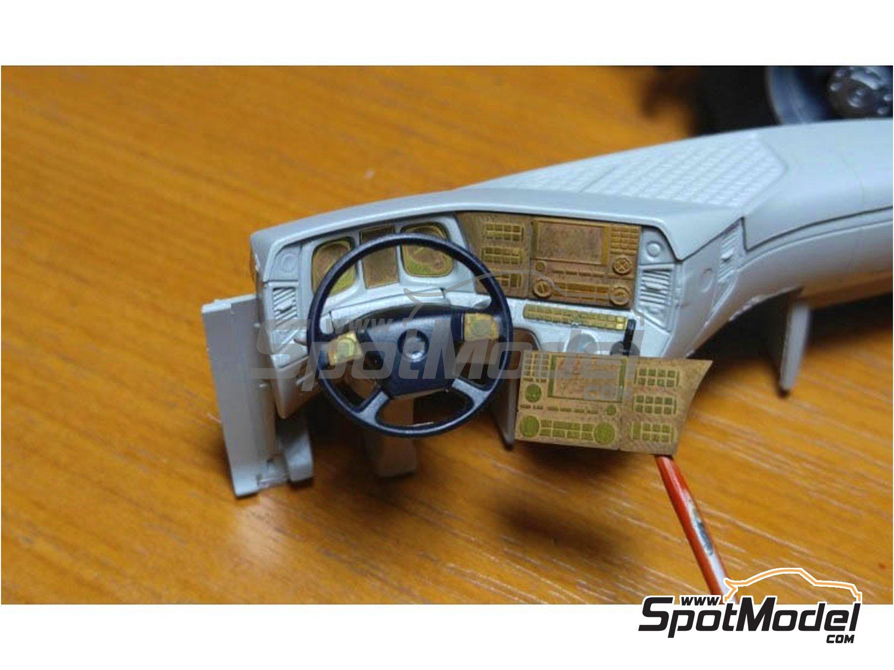 Image 2: Mercedes Benz Actros Gigaspace MP4 | Set de mejora y detallado en escala1/24 fabricado por Czech Truck Model (ref.CTM24162)