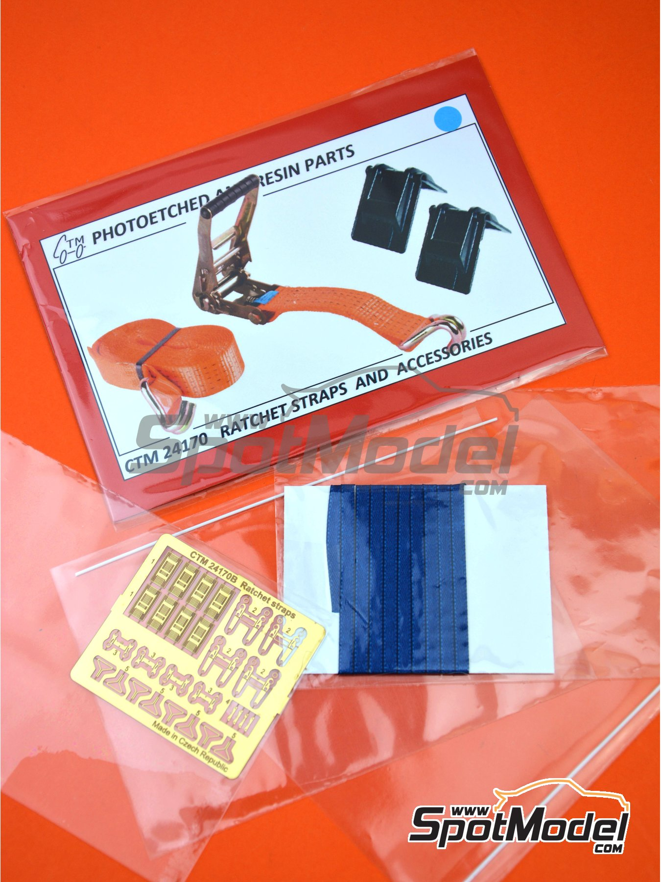 Ratchet straps blue and accesories | Detail in 1/24 scale manufactured by Czech Truck Model (ref. CTM24170-C) image