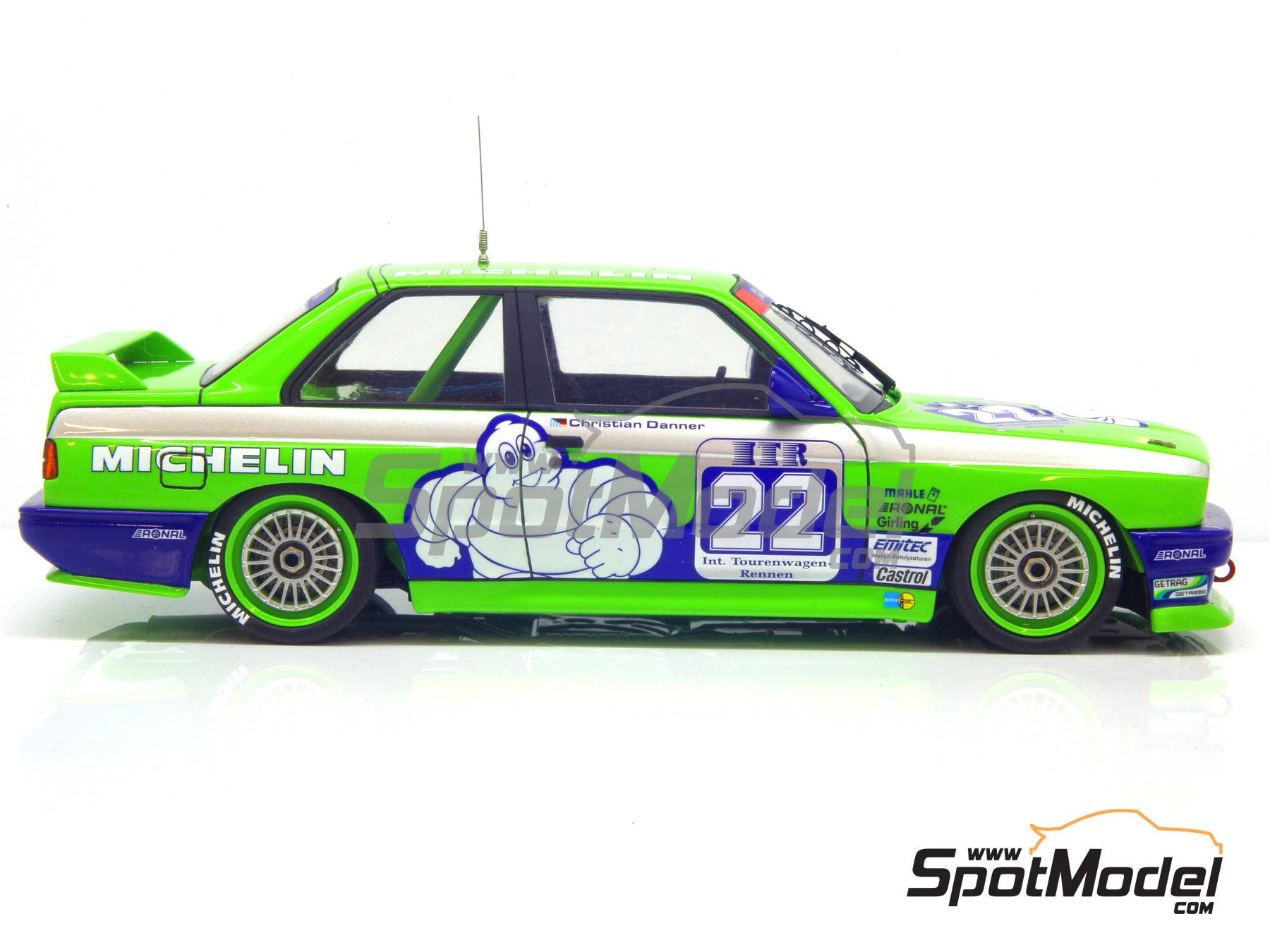 Image 17: BMW M3 E30 Team Alpina - DTM 1988 | Decoración en escala 1/24 fabricado por Decalcas (ref. DCL-DEC007)