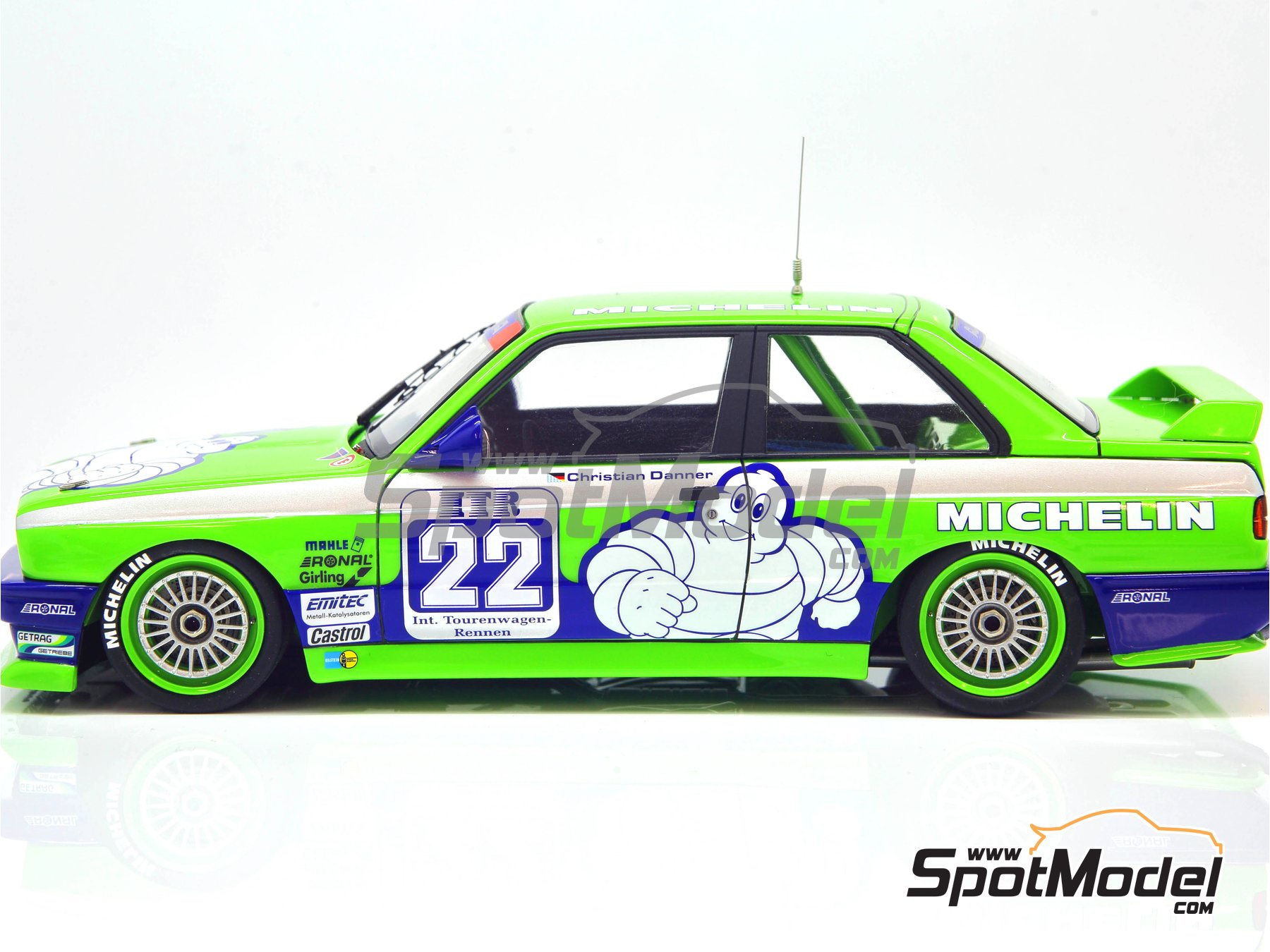 Image 23: BMW M3 E30 Team Alpina - DTM 1988 | Decoración en escala 1/24 fabricado por Decalcas (ref. DCL-DEC007)