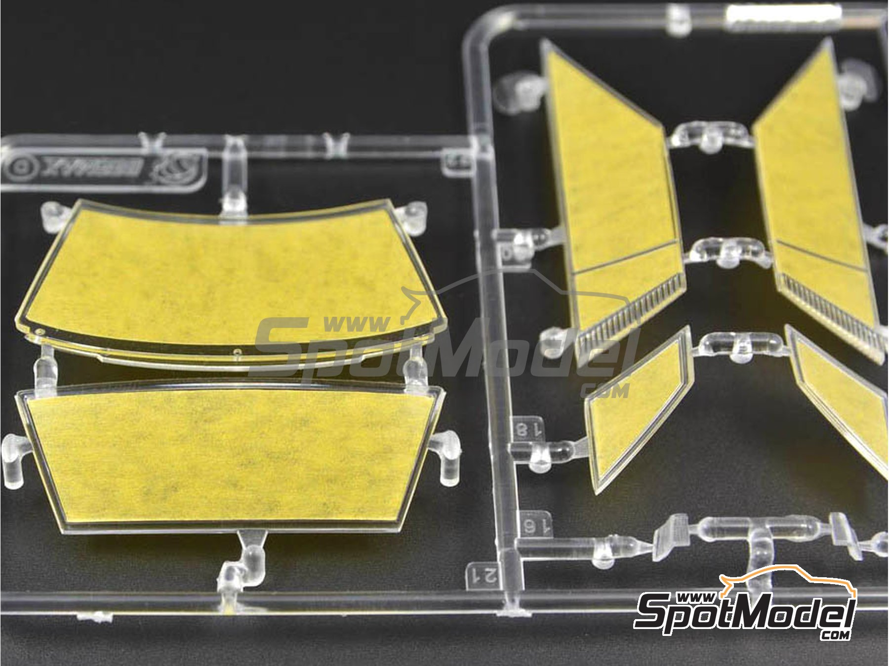 Image 3: Nissan 240RS | Window frame paint masks in 1/24 scale manufactured by Decalcas (ref.DCL-MSK004)