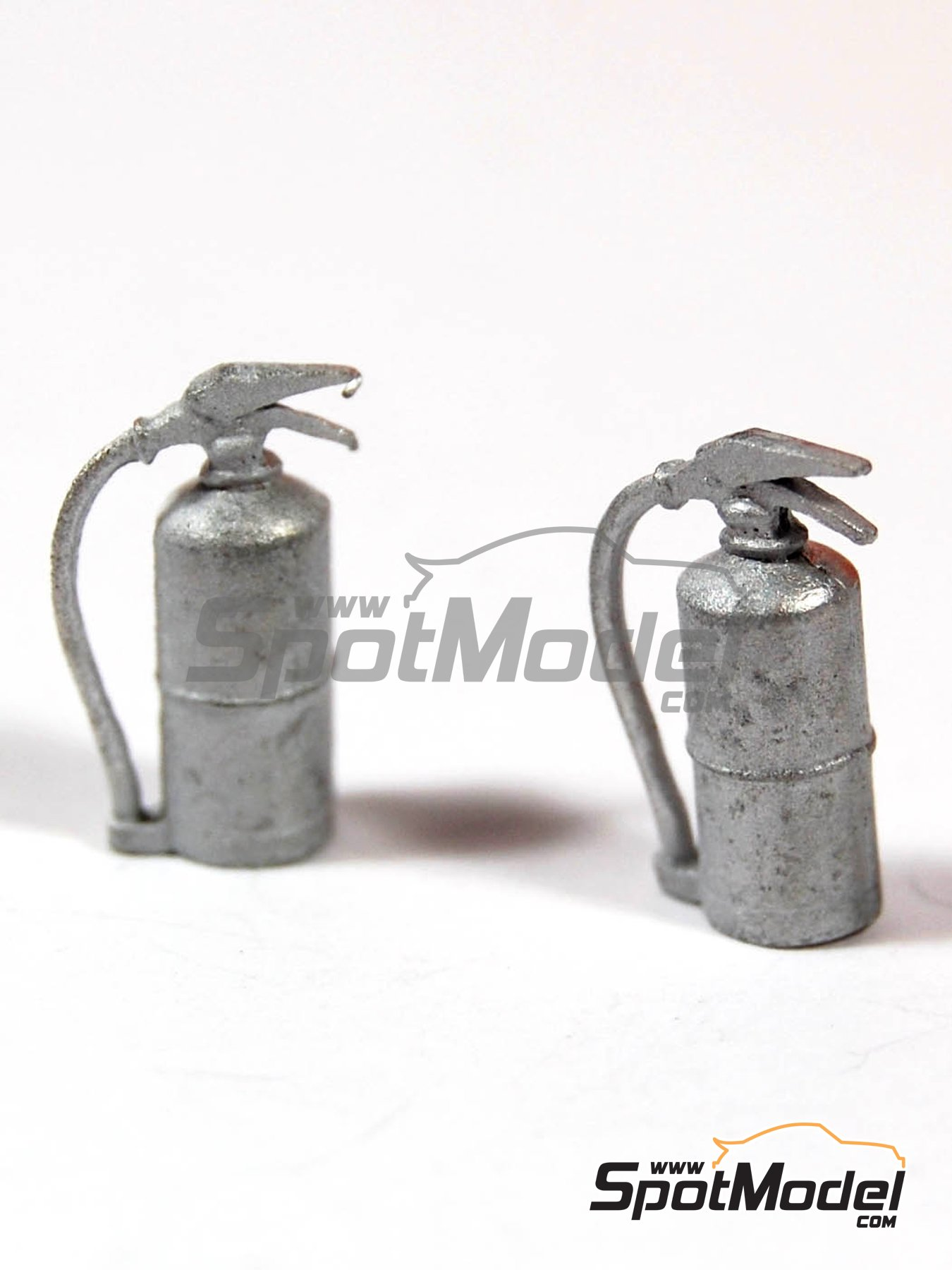 Fire extinguisher | Figure in 1/43 scale manufactured by Denizen (ref. RD051) image