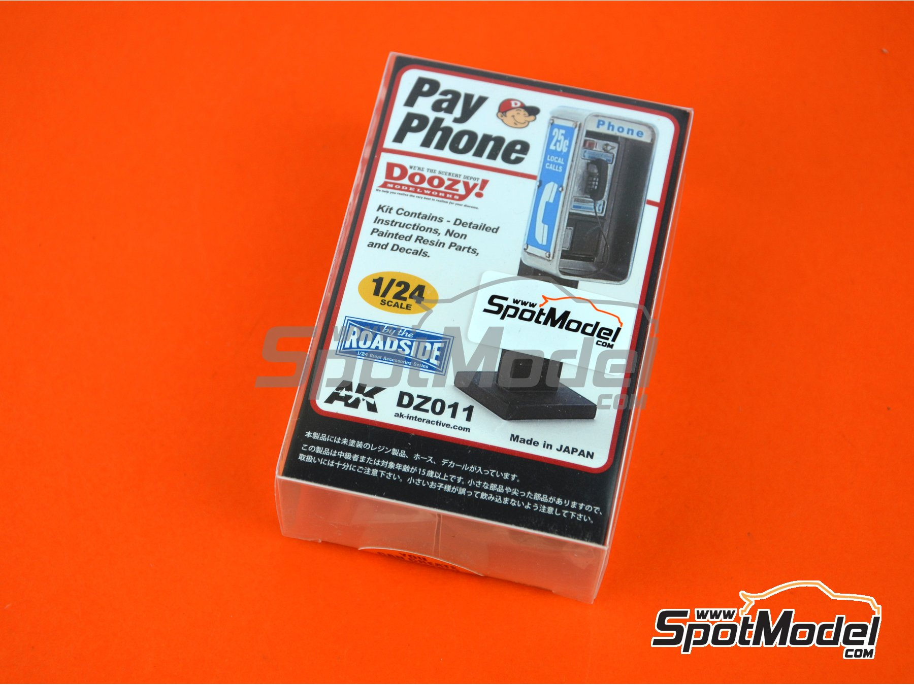 Image 1: Pay phone | Model kit in 1/24 scale manufactured by Doozy Modelworks (ref. DZ011)
