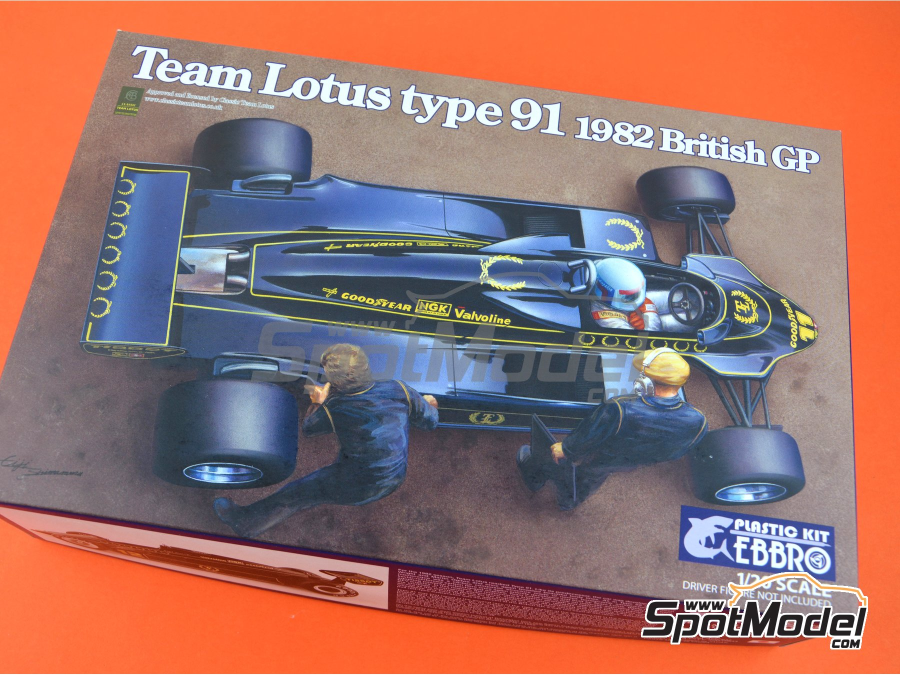 Image 16: Lotus Ford Type 91 John Player Special - British Grand Prix 1982 | Model car kit in 1/20 scale manufactured by Ebbro (ref. EBR20012)