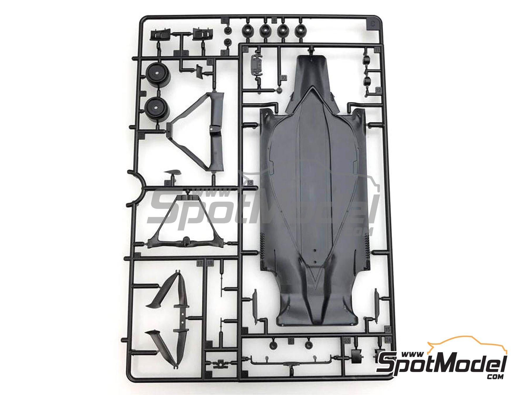 Image 5: McLaren Honda MP4/31 - Spanish Grand Prix 2016 | Model car kit in 1/20 scale manufactured by Ebbro (ref.EBR20018)