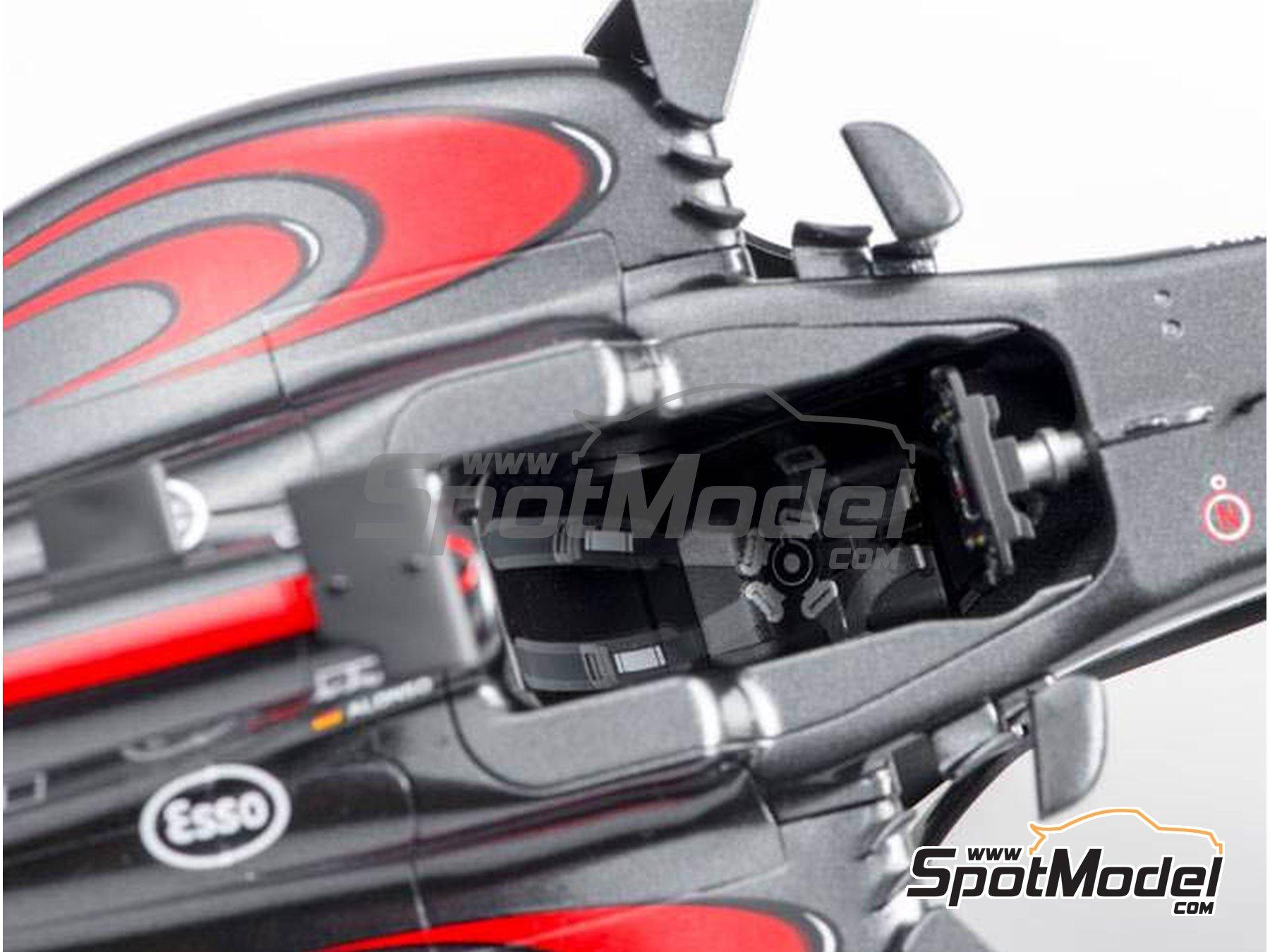Image 11: McLaren Honda MP4/31 - Spanish Grand Prix 2016 | Model car kit in 1/20 scale manufactured by Ebbro (ref.EBR20018)