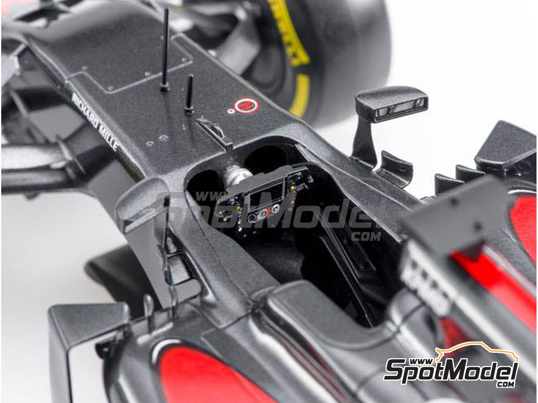Image 12: McLaren Honda MP4/31 - Gran Premio de España 2016 | Maqueta de coche en escala1/20 fabricado por Ebbro (ref.EBR20018)