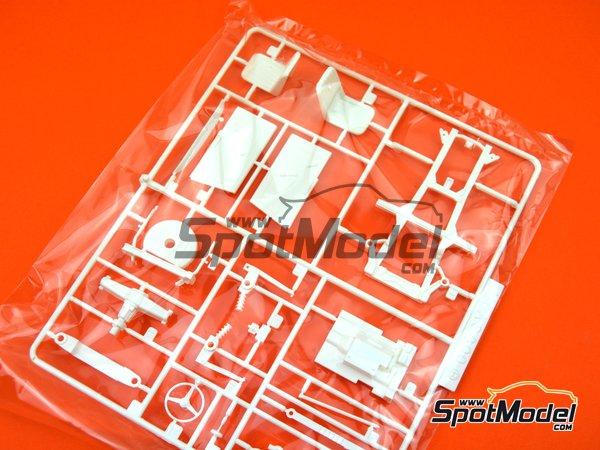 Image 5: Honda S800 | Model car kit in 1/24 scale manufactured by Fujimi (ref.FJ038988)