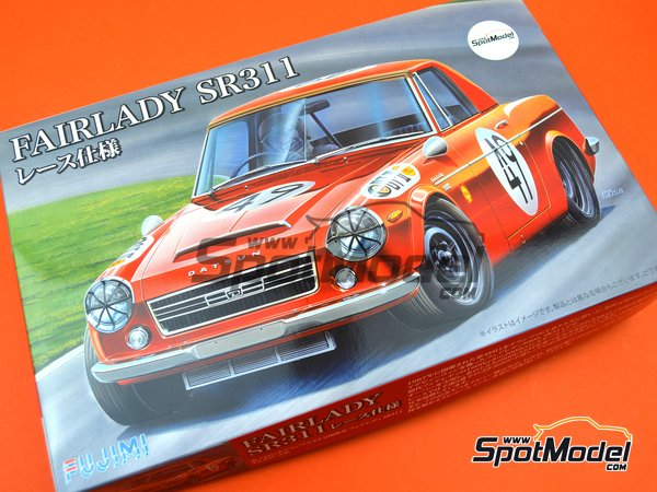 Image 15: Datsun Fairlady SR311 | Model car kit in 1/24 scale manufactured by Fujimi (ref. FJ039695)