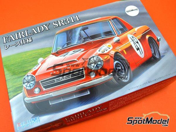 Image 15: Datsun Fairlady SR311 | Model car kit in 1/24 scale manufactured by Fujimi (ref.FJ039695)