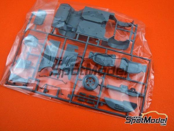 Image 4: Ferrari 365 GTB/4 Daytona Speciale | Maqueta de coche en escala1/24 fabricado por Fujimi (ref.FJ082592)