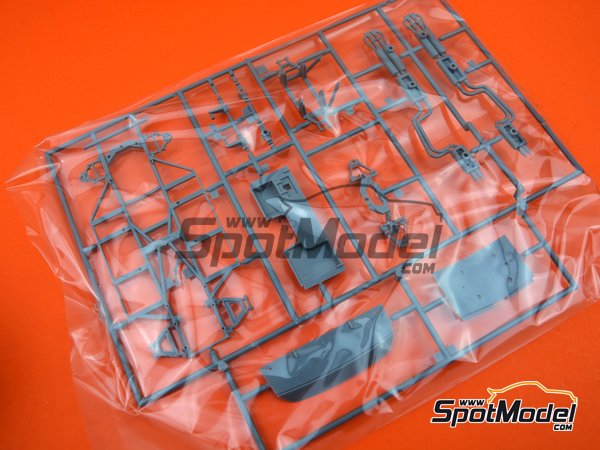 Image 7: Ferrari 365 GTB/4 Daytona Speciale | Maqueta de coche en escala1/24 fabricado por Fujimi (ref.FJ082592)