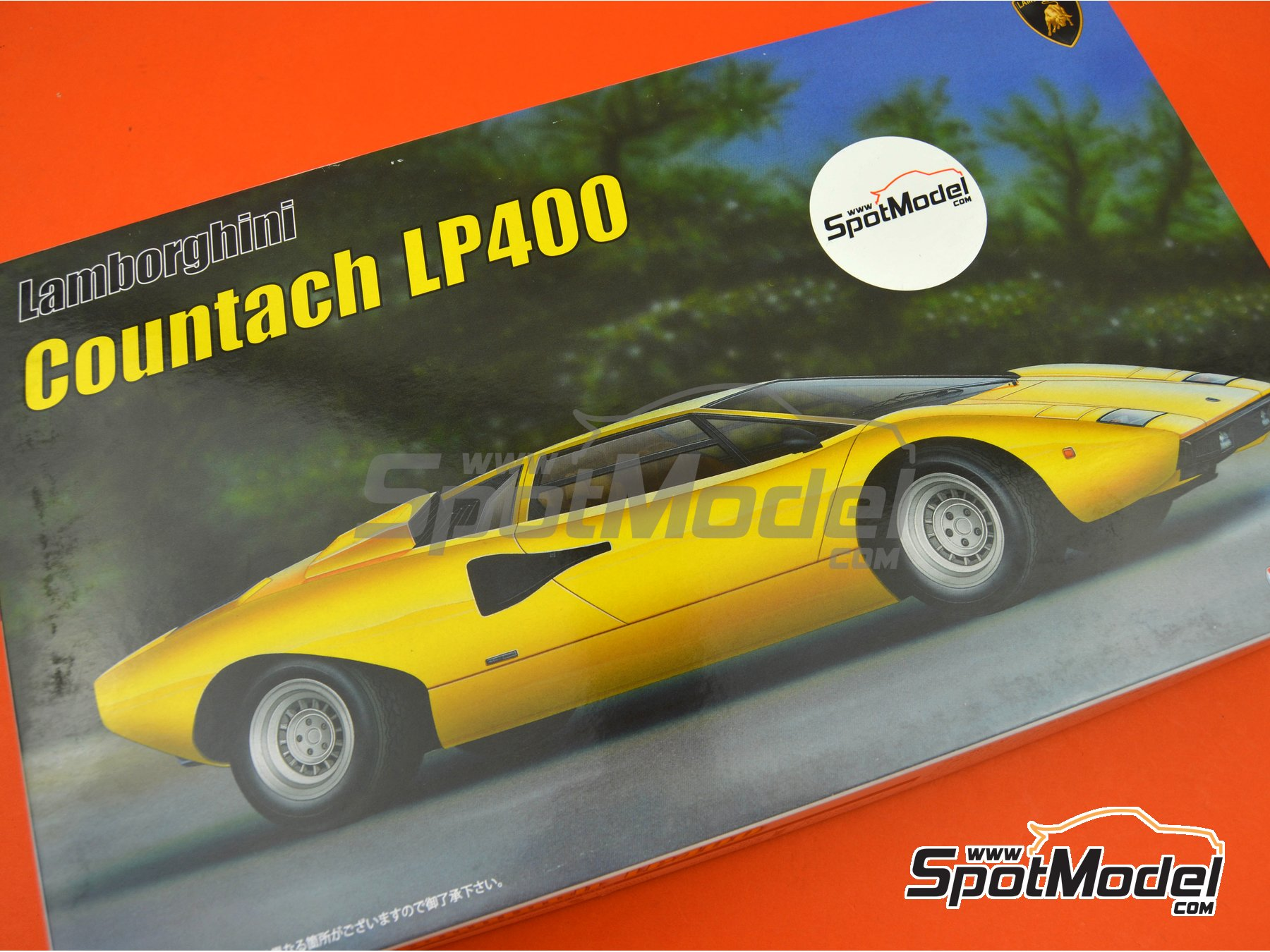 Image 16: Lamborghini Countach LP400 | Model car kit in 1/24 scale manufactured by Fujimi (ref. FJ082806, also 082806, 08280 and EM-26)