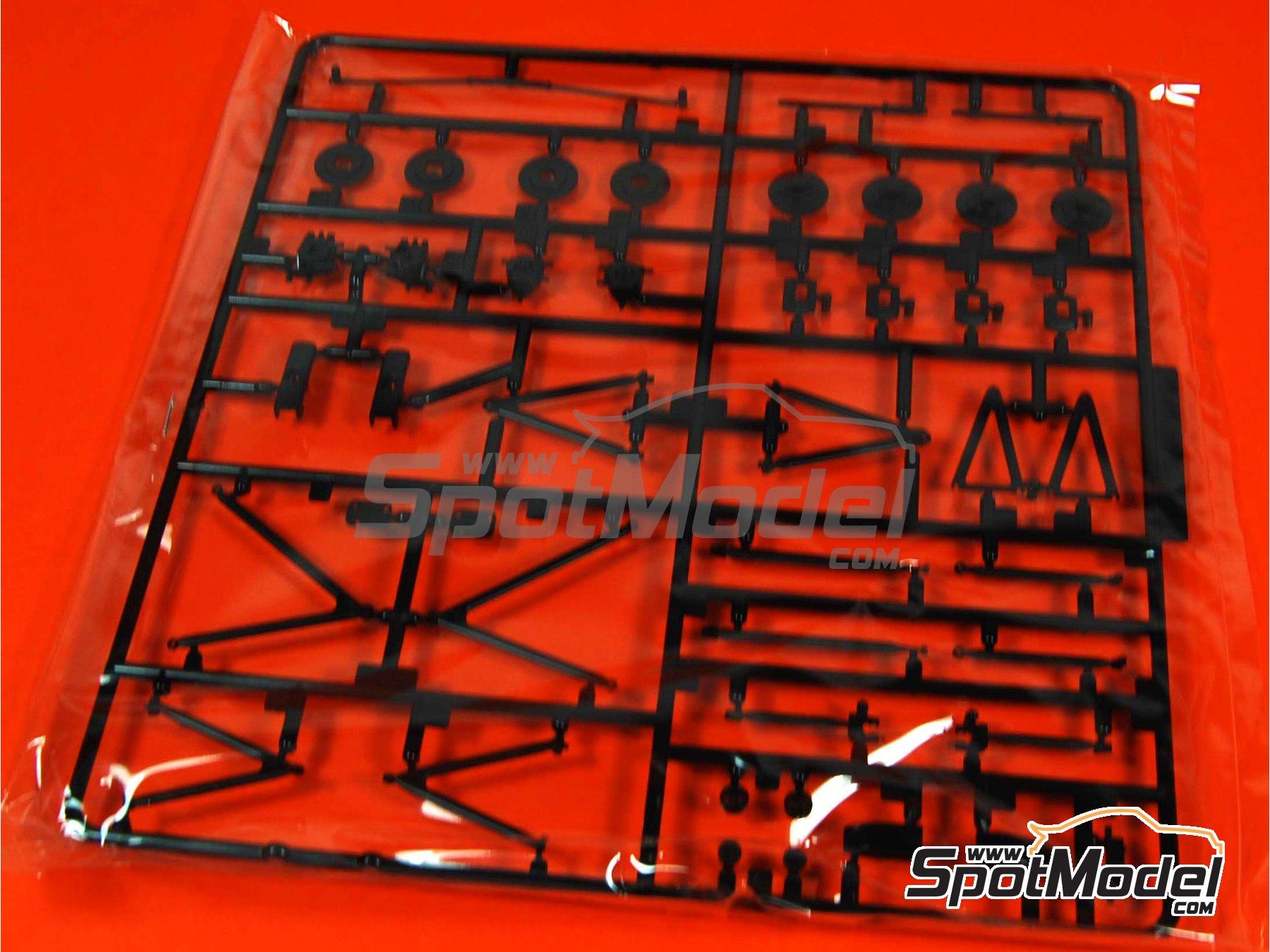 Image 9: McLaren Honda MP4/6 Shell - Gran Premio de Fórmula 1 de Japón 1991 | Maqueta de coche en escala1/20 fabricado por Fujimi (ref.FJ090443, tambien 09044, GP10, 090443 y FJ09044)