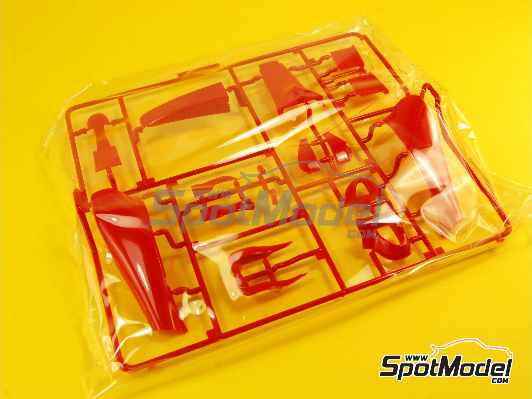 Image 2: Ferrari 150 Italia Banco Santander - Japanese Formula 1 Grand Prix 2011 | Model car kit in 1/20 scale manufactured by Fujimi (ref.FJ092010, also GP-13, FJ09201, 092010 and 09201)