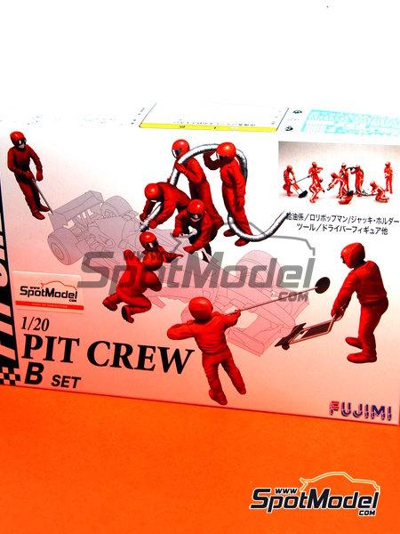 Equipo de asistencia y piloto | Set de figuras en escala1/20 fabricado por Fujimi (ref.FJ11245) image