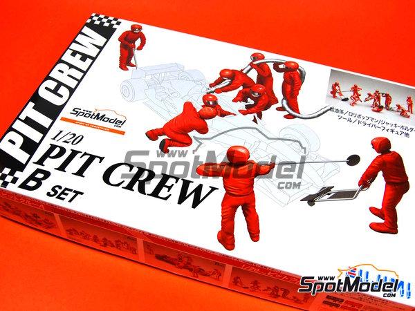 Image 1: Equipo de asistencia y piloto | Set de figuras en escala1/20 fabricado por Fujimi (ref.FJ11245)