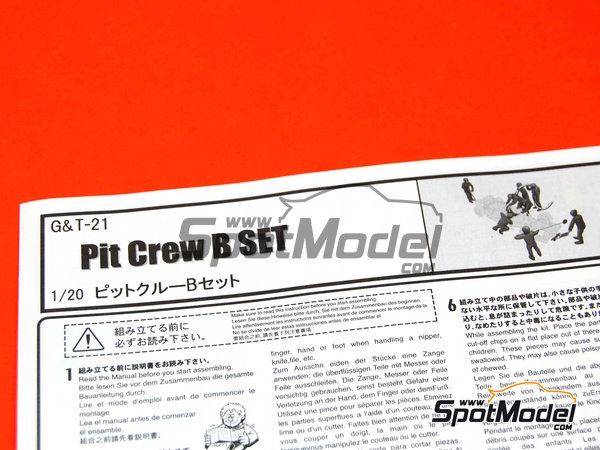 Image 10: Equipo de asistencia y piloto | Set de figuras en escala1/20 fabricado por Fujimi (ref.FJ11245)
