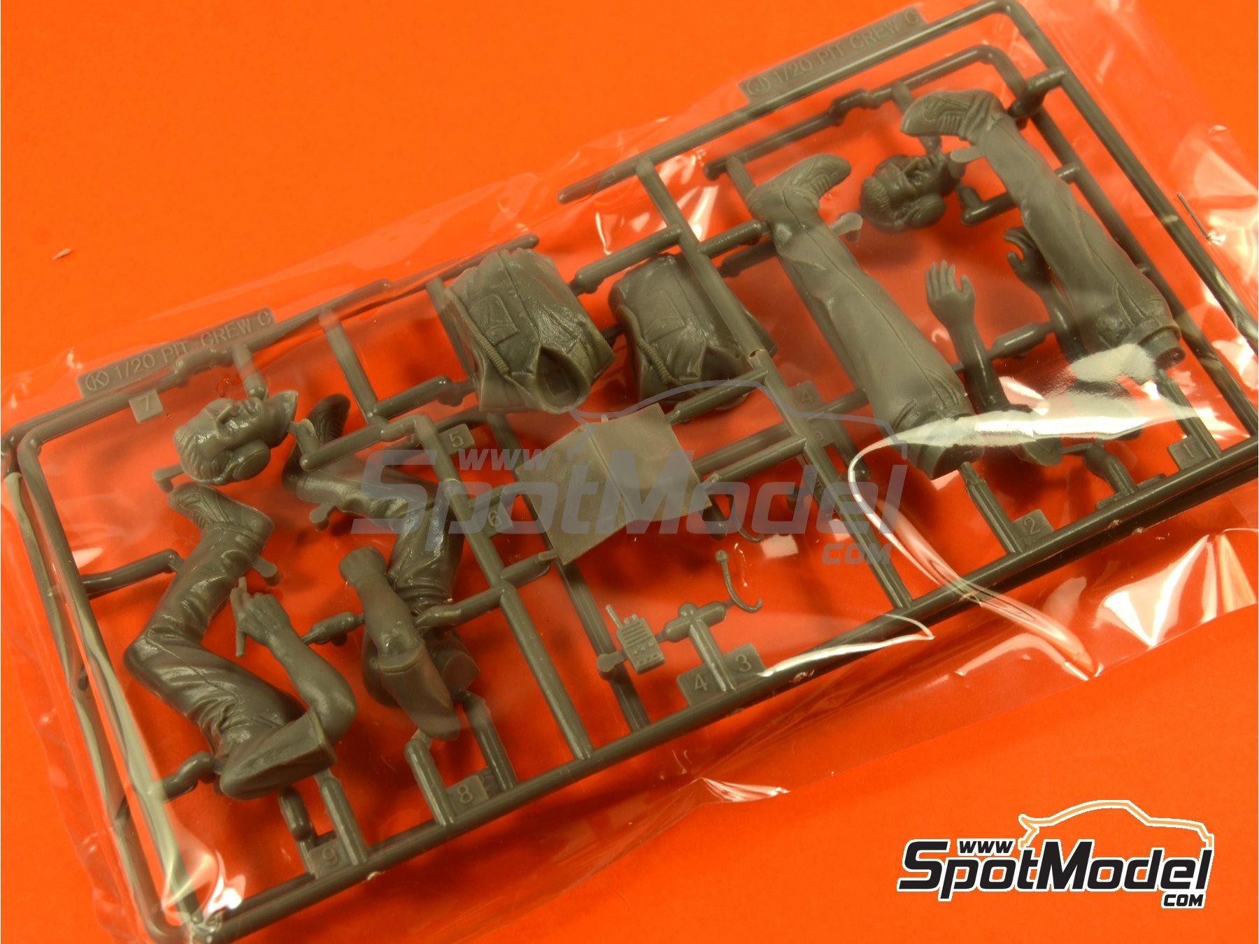Image 4: Equipo de dirección y cabina | Set de figuras en escala1/20 fabricado por Fujimi (ref.FJ113326)