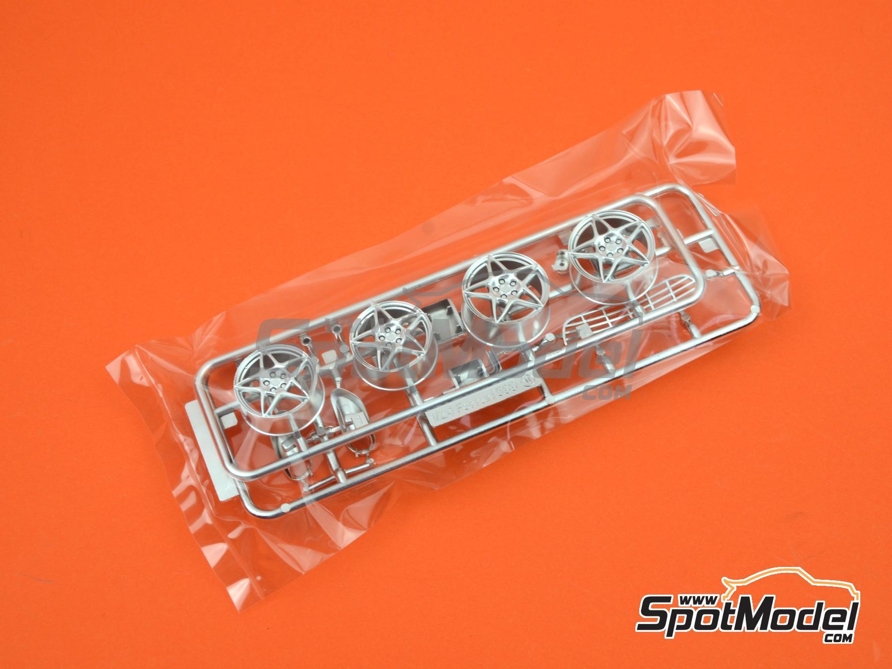 Image 8: Ferrari 599 GTB Fiorano | Maqueta de coche en escala1/24 fabricado por Fujimi (ref.FJ122779, tambien 122779, 12277 y RS-50)
