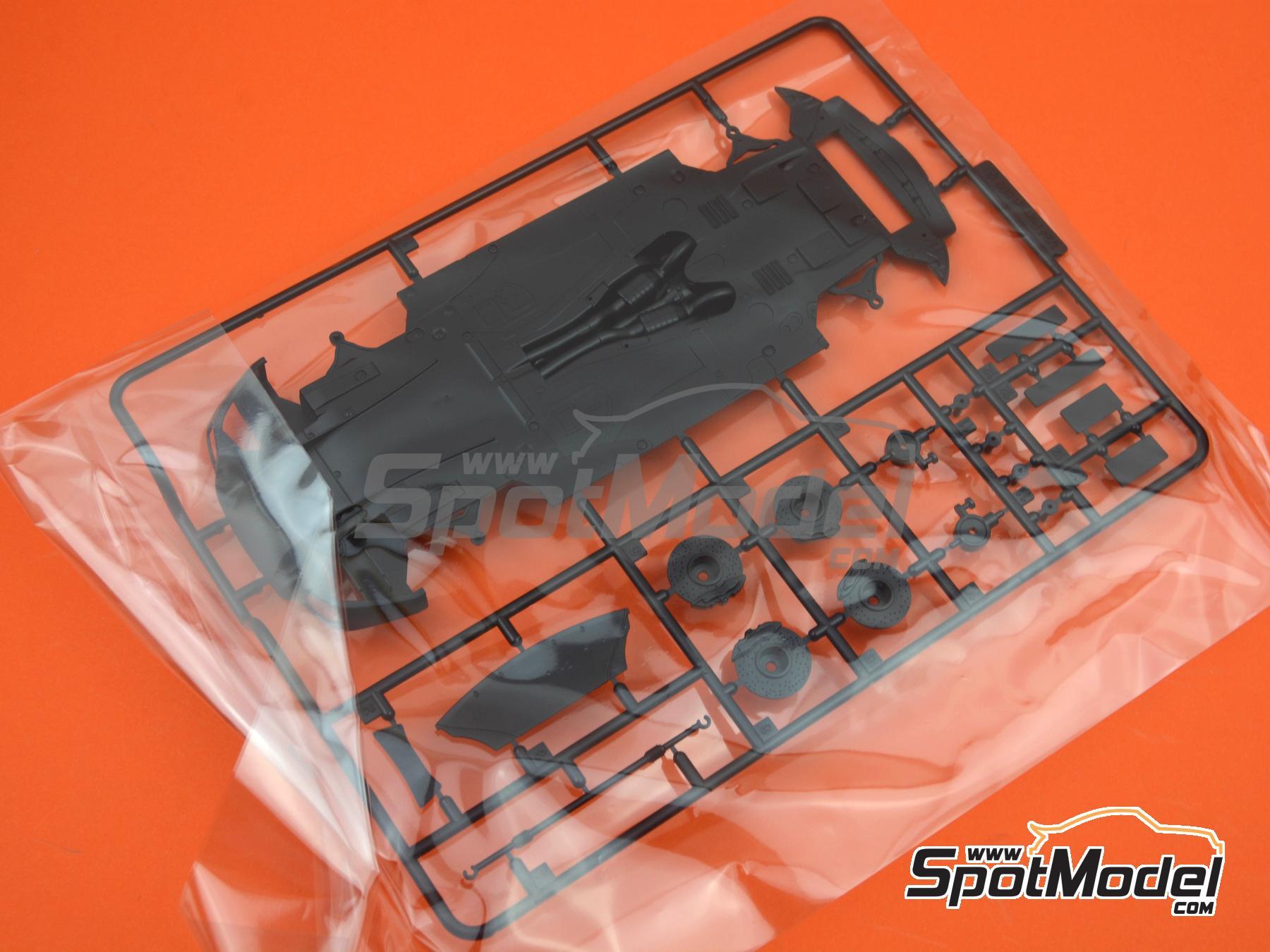 Image 10: Ferrari 599 GTB Fiorano | Maqueta de coche en escala1/24 fabricado por Fujimi (ref.FJ122779, tambien 122779, 12277 y RS-50)