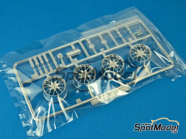 Image 8: Ferrari F430 Challenge | Model car kit in 1/24 scale manufactured by Fujimi (ref.FJ12560)