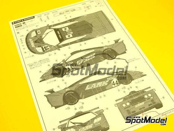 Image 12: McLaren F1 GTR Long Tail Lark - 24 Hours Le Mans 1997 | Model car kit in 1/24 scale manufactured by Fujimi (ref.FJ12579)
