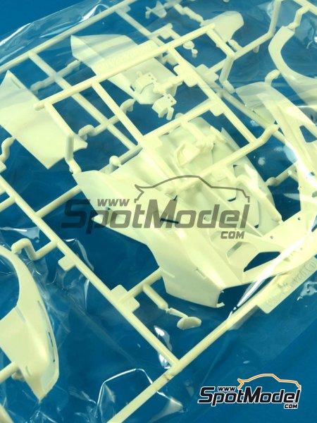 Lamborghini Veneno: Piezas M y L   Pieza de reemplazo en escala1/24 fabricado por Fujimi (ref.FJ12583-SPRUE-M-L) image