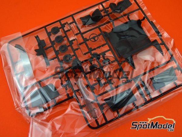 Image 2: Ferrari 348GTB | Model car kit in 1/24 scale manufactured by Fujimi (ref.FJ125916, also 125916, 12591 and RS-69)