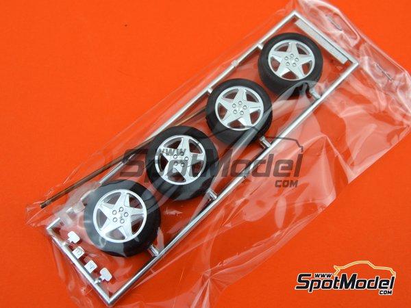 Image 6: Ferrari 348GTB | Model car kit in 1/24 scale manufactured by Fujimi (ref.FJ125916, also 125916, 12591 and RS-69)