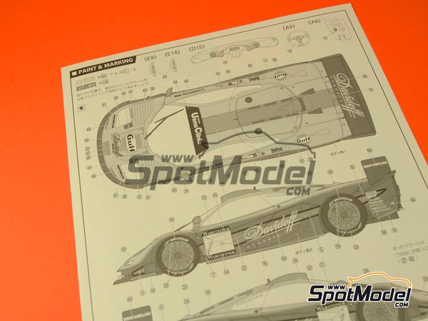 Image 13: McLaren F1 GTR Long Tail Gulf Davidoff - 24 Hours Le Mans 1997 | Model car kit in 1/24 scale manufactured by Fujimi (ref.FJ12595)