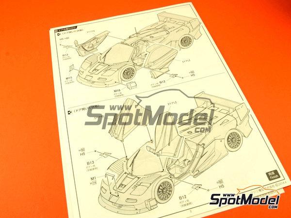 Image 17: McLaren F1 GTR Long Tail Gulf Davidoff - 24 Hours Le Mans 1997 | Model car kit in 1/24 scale manufactured by Fujimi (ref.FJ12595)