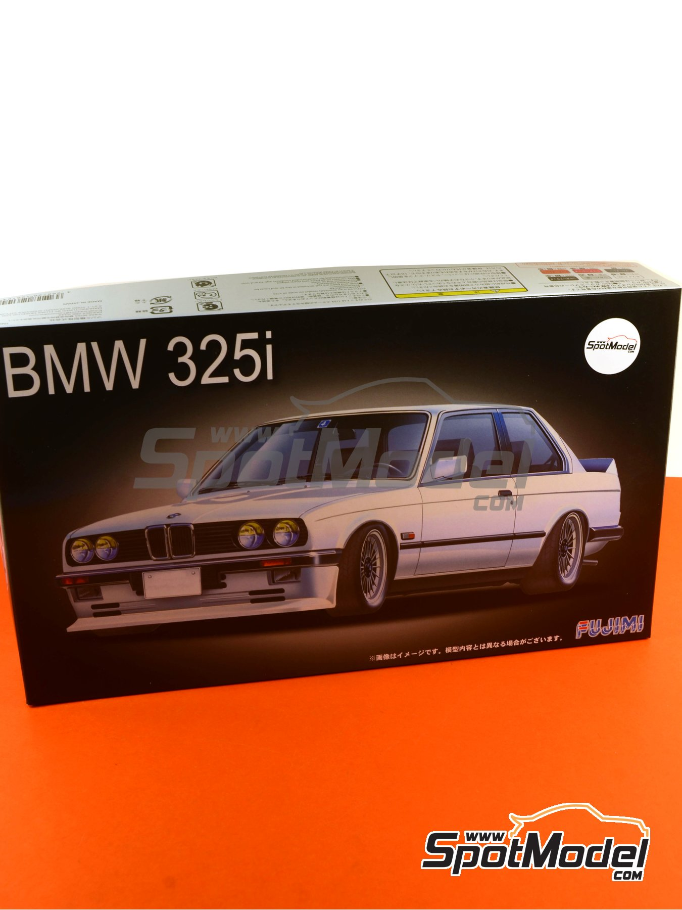BMW 325i | Model car kit in 1/24 scale manufactured by Fujimi (ref. FJ126104, also 12610, 126104 and RS-21) image