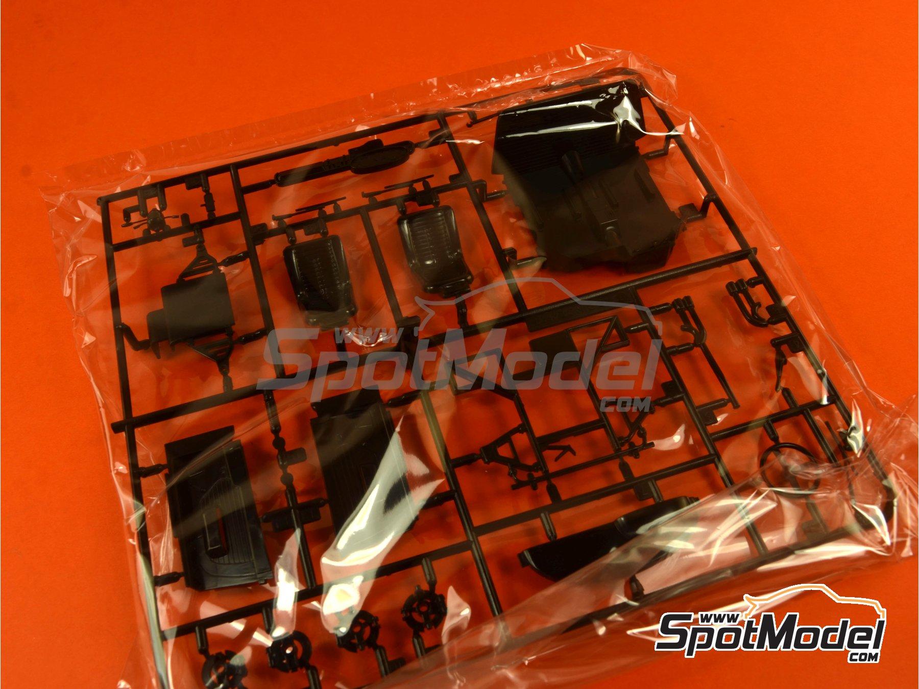 Image 6: Ferrari Dino 246GT | Maqueta de coche en escala1/24 fabricado por Fujimi (ref.FJ126234, tambien 126234, 12623 y RS-101)