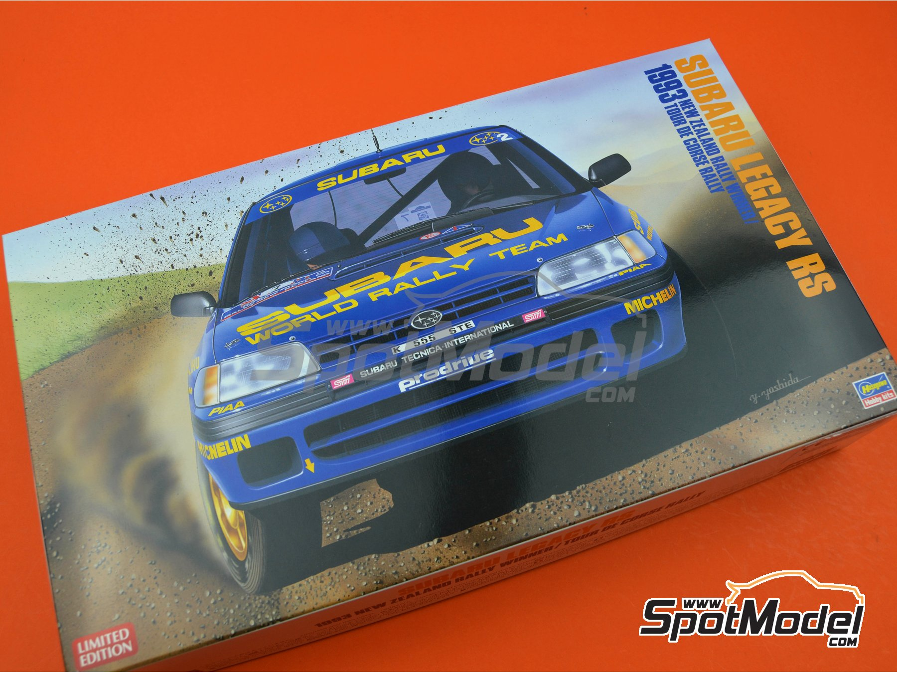 Image 14: Subaru Legacy RS Subaru Rally Team - New Zealand rally, Tour de Corse 1993 | Model car kit in 1/24 scale manufactured by Hasegawa (ref. 20311)