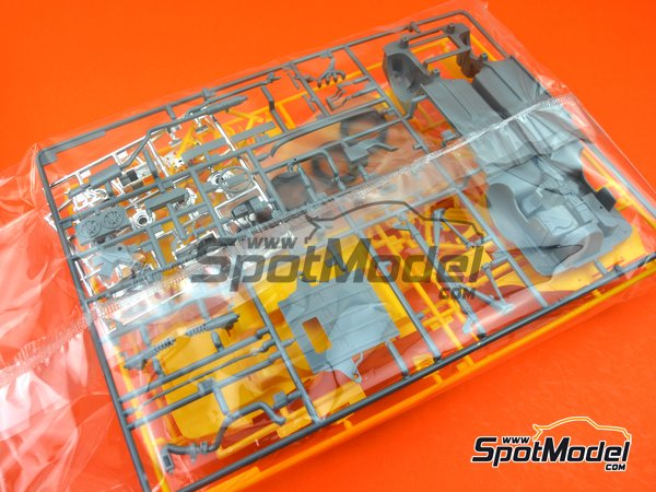 Image 4: Porsche 968 Club Sport | Model car kit in 1/24 scale manufactured by Hasegawa (ref. 20317)
