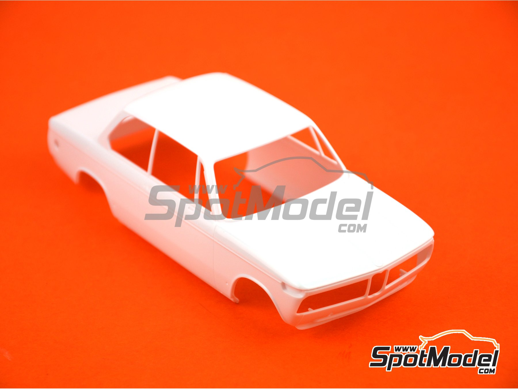 Image 7: BMW 2002 tii -  1971 | Model car kit in 1/24 scale manufactured by Hasegawa (ref. 21123)