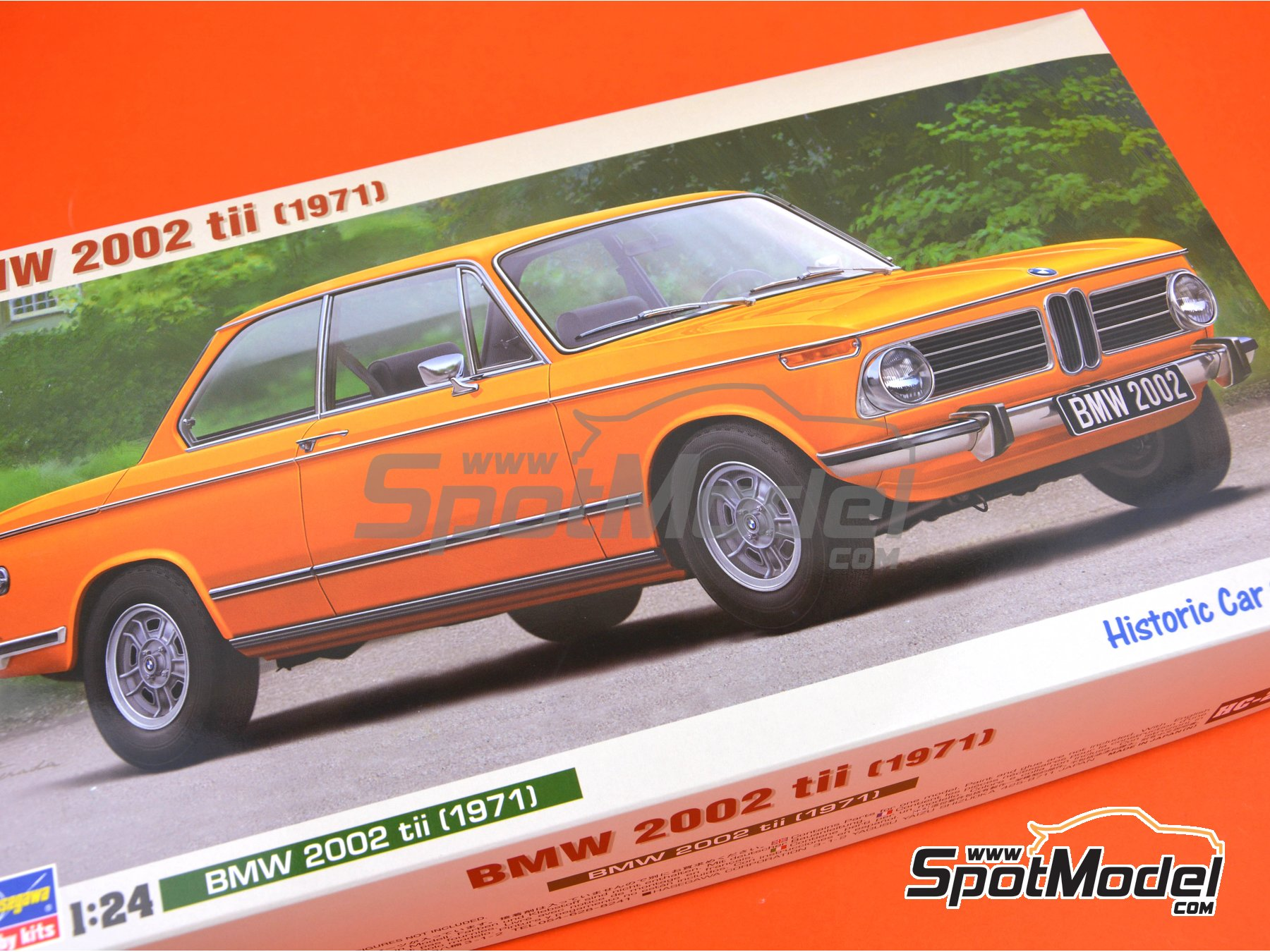 Image 20: BMW 2002 tii -  1971 | Model car kit in 1/24 scale manufactured by Hasegawa (ref. 21123)
