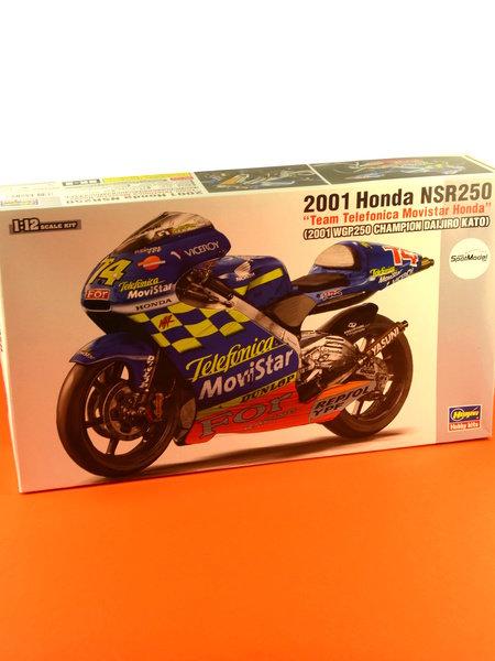 Honda NSR250 Telefonica Movistar Repsol - Campeonato del Mundo de Motociclismo 2001 | Maqueta de moto en escala1/12 fabricado por Hasegawa (ref.21502, tambien BK-2) image