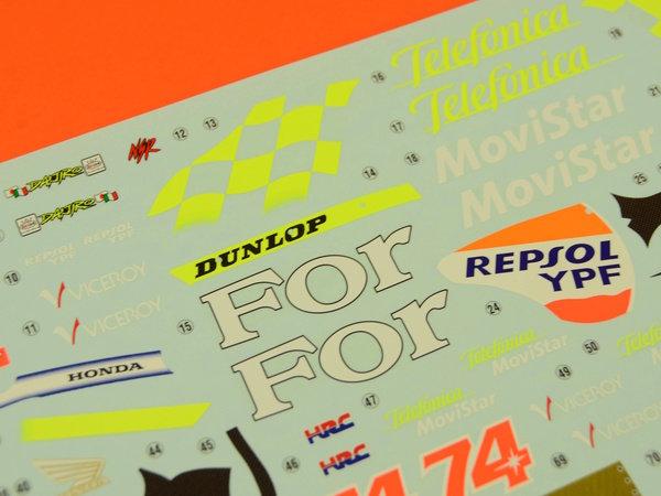 Image 11: Honda NSR250 Telefonica Movistar Repsol - Campeonato del Mundo de Motociclismo 2001 | Maqueta de moto en escala1/12 fabricado por Hasegawa (ref.21502)