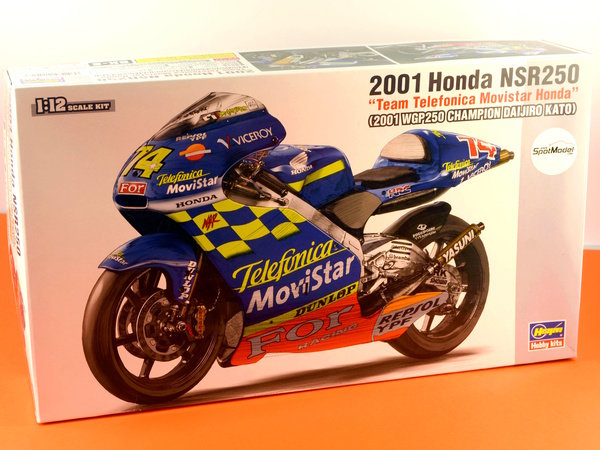 Image 14: Honda NSR250 Telefonica Movistar Repsol - Campeonato del Mundo de Motociclismo 2001 | Maqueta de moto en escala1/12 fabricado por Hasegawa (ref.21502, tambien BK-2)