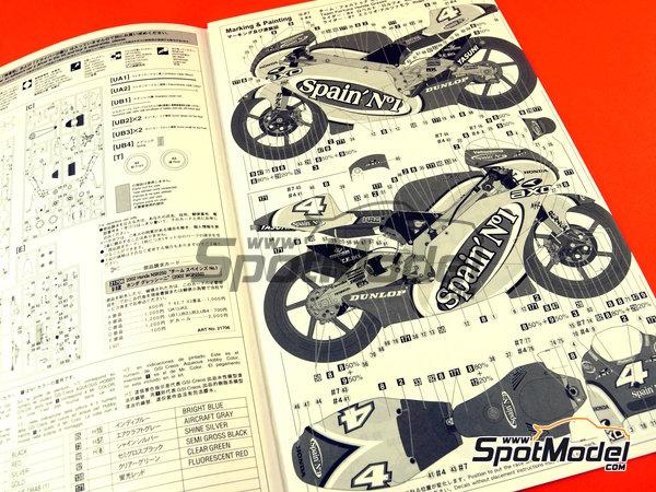 Image 11: Honda NSR250 Team Spain Gresini - Motorcycle World Championship 2002 | Model bike kit in 1/12 scale manufactured by Hasegawa (ref.21706)