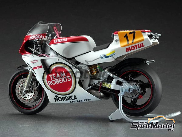 Image 1: Yamaha YZR500 0W98 Team Roberts Lucky Strike - Motorcycle World Championship 1988 | Model bike kit in 1/12 scale manufactured by Hasegawa (ref. 21707)