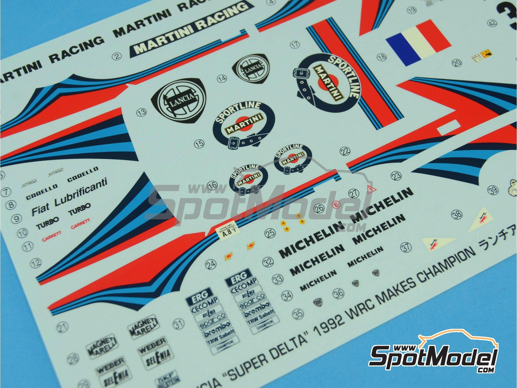 Image 13: Lancia Super Delta HF Integrale Martini Racing - Rally Tour de Corse 1992 | Maqueta de coche en escala1/24 fabricado por Hasegawa (ref.25015)