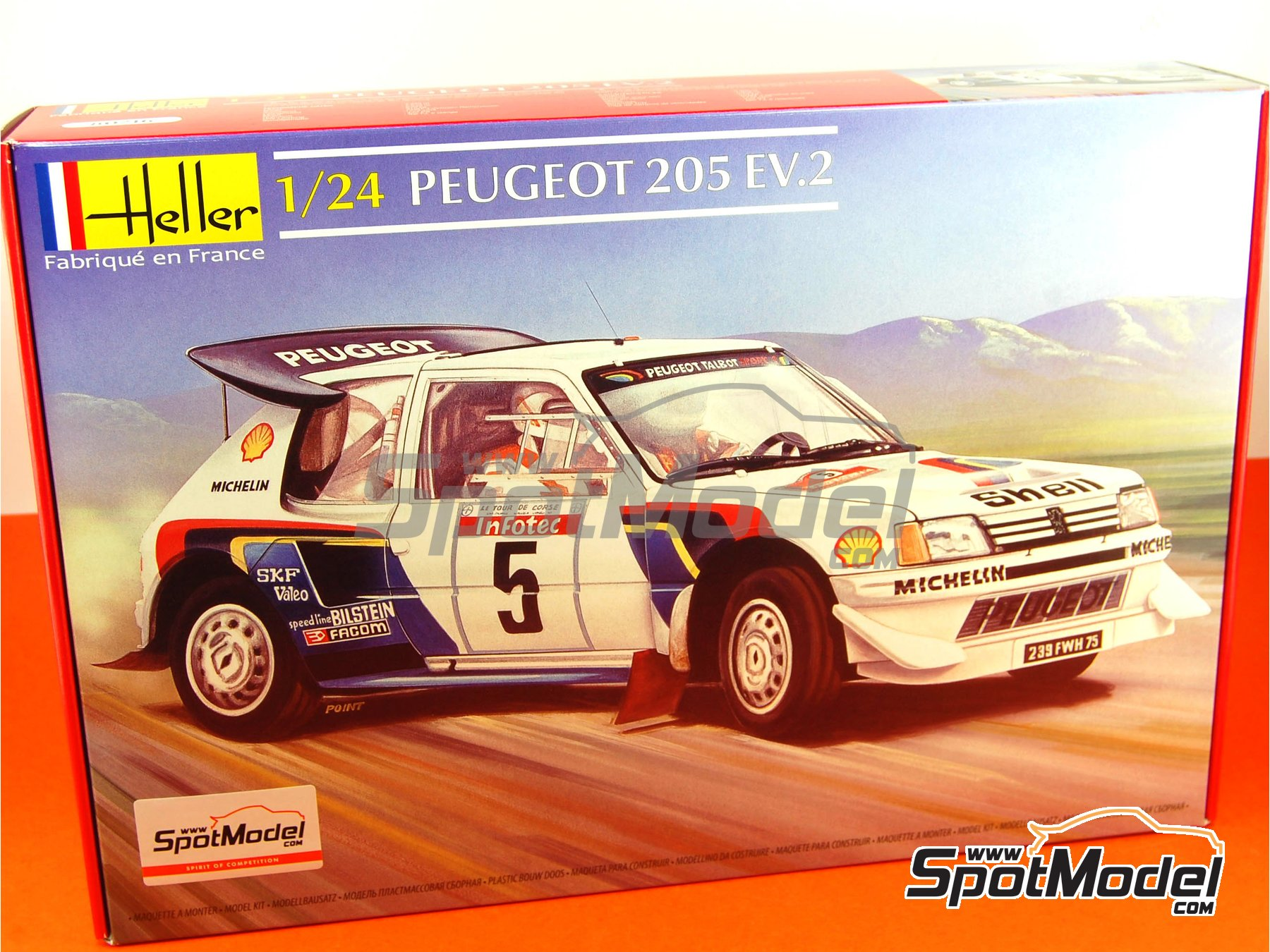 Image 2: Peugeot 205 Evo 2 Turbo 16 Shell - Tour de Corse 1986 | Model car kit in 1/24 scale manufactured by Heller (ref. 80716)