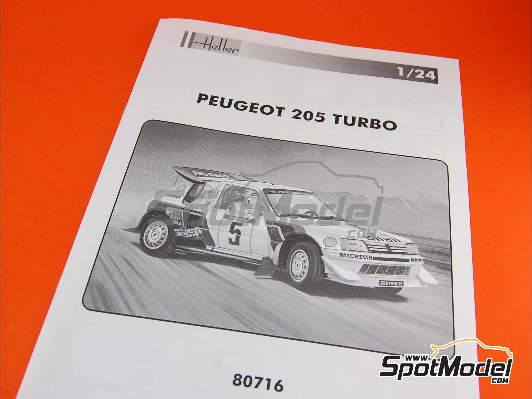 Image 8: Peugeot 205 Evo 2 Turbo 16 Shell - Tour de Corse 1986 | Model car kit in 1/24 scale manufactured by Heller (ref. 80716)