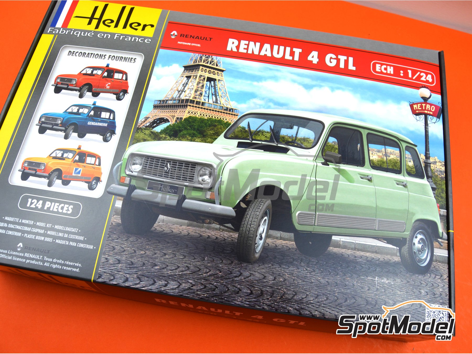 Image 14: Renault 4L TL/GTL | Model car kit in 1/24 scale manufactured by Heller (ref. 80759)