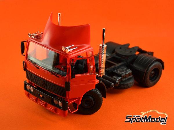 Image 2: Renault G260 | Maqueta de camión en escala1/24 fabricado por Heller (ref.80772)